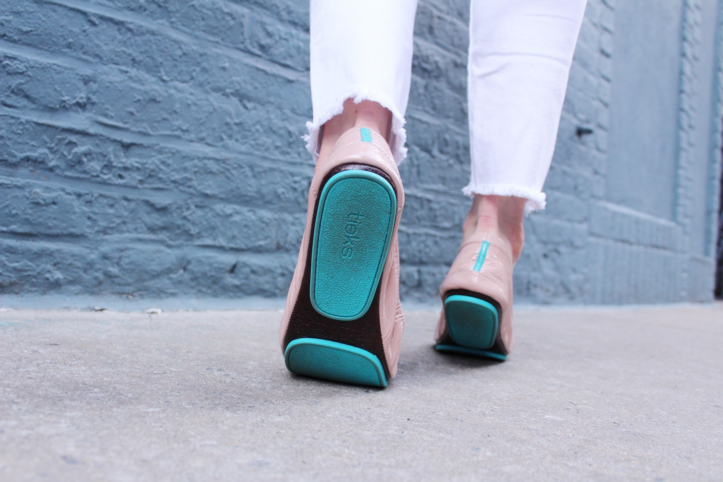 Lifestyle blogger Mollie Sheperdson styles the new blush pink Tieks