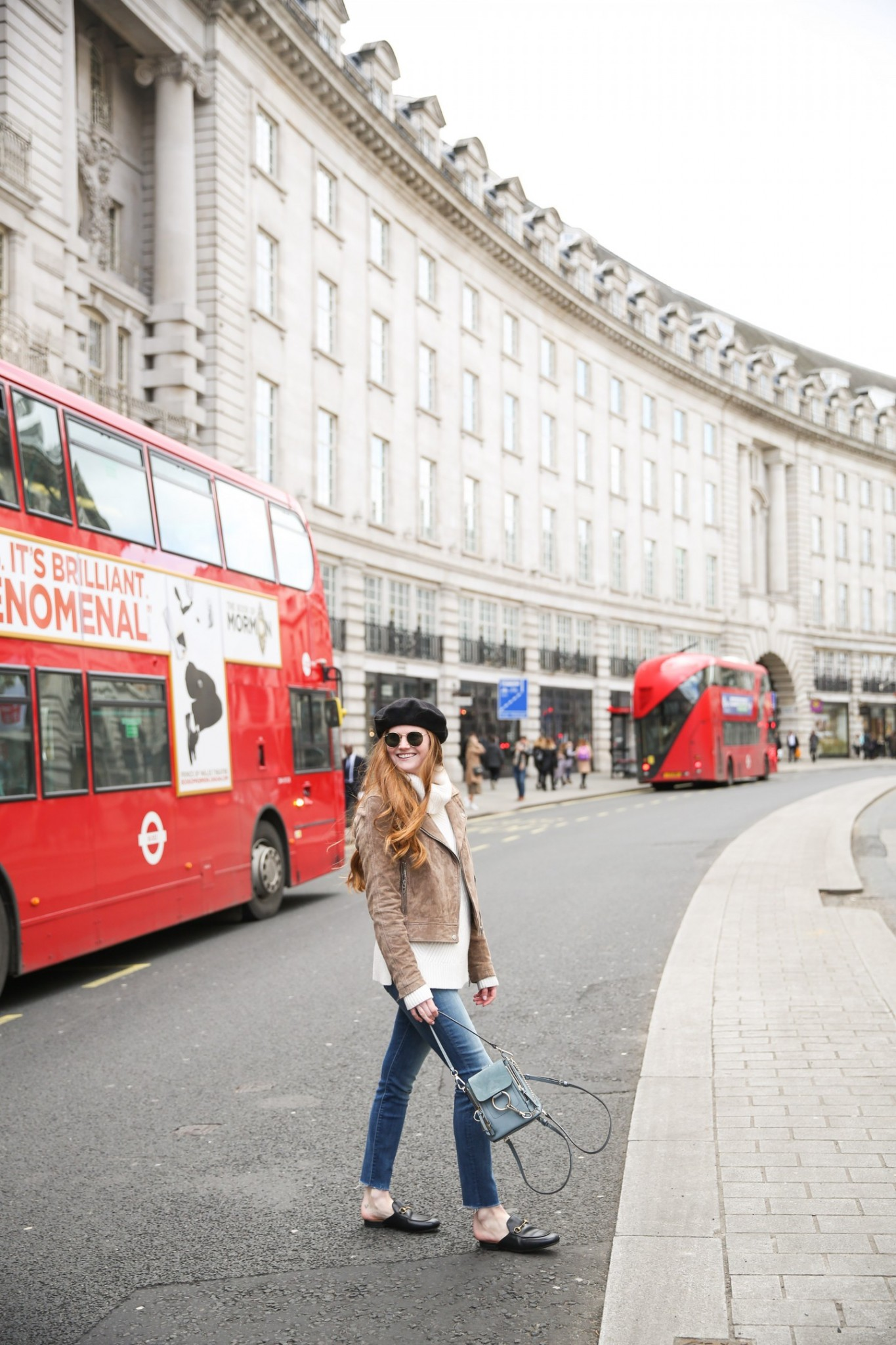 Lifestyle blogger Mollie Moore is moving to London and shares all the details about her upcoming move | Top London and US life and style blogger, Mollie Moore shares her 2018 year in review: moving to London