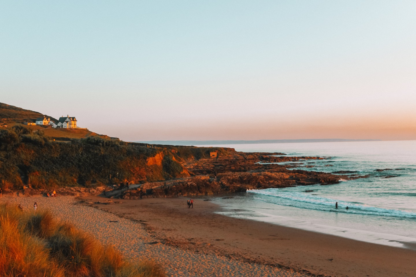 Lifestyle blogger Mollie Moore shares her review of Croyde Bay Resort in Devon, England