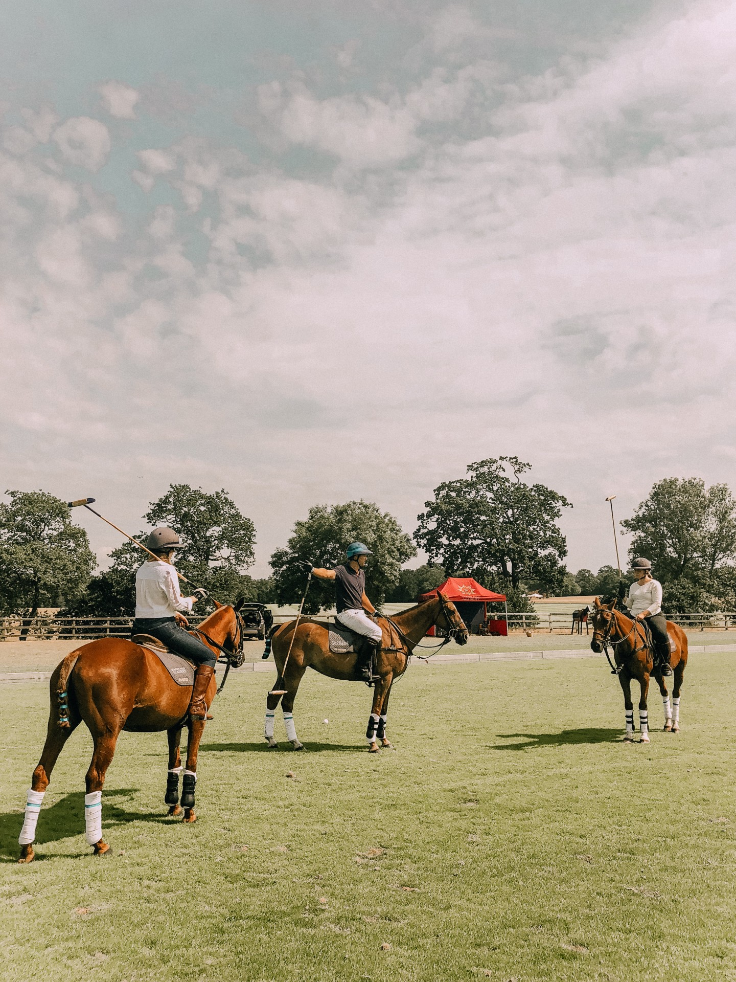 Lifestyle blogger Mollie Moore has the ultimate polo day at Coworth Park featured by popular London life and style blogger, Mollie Moore