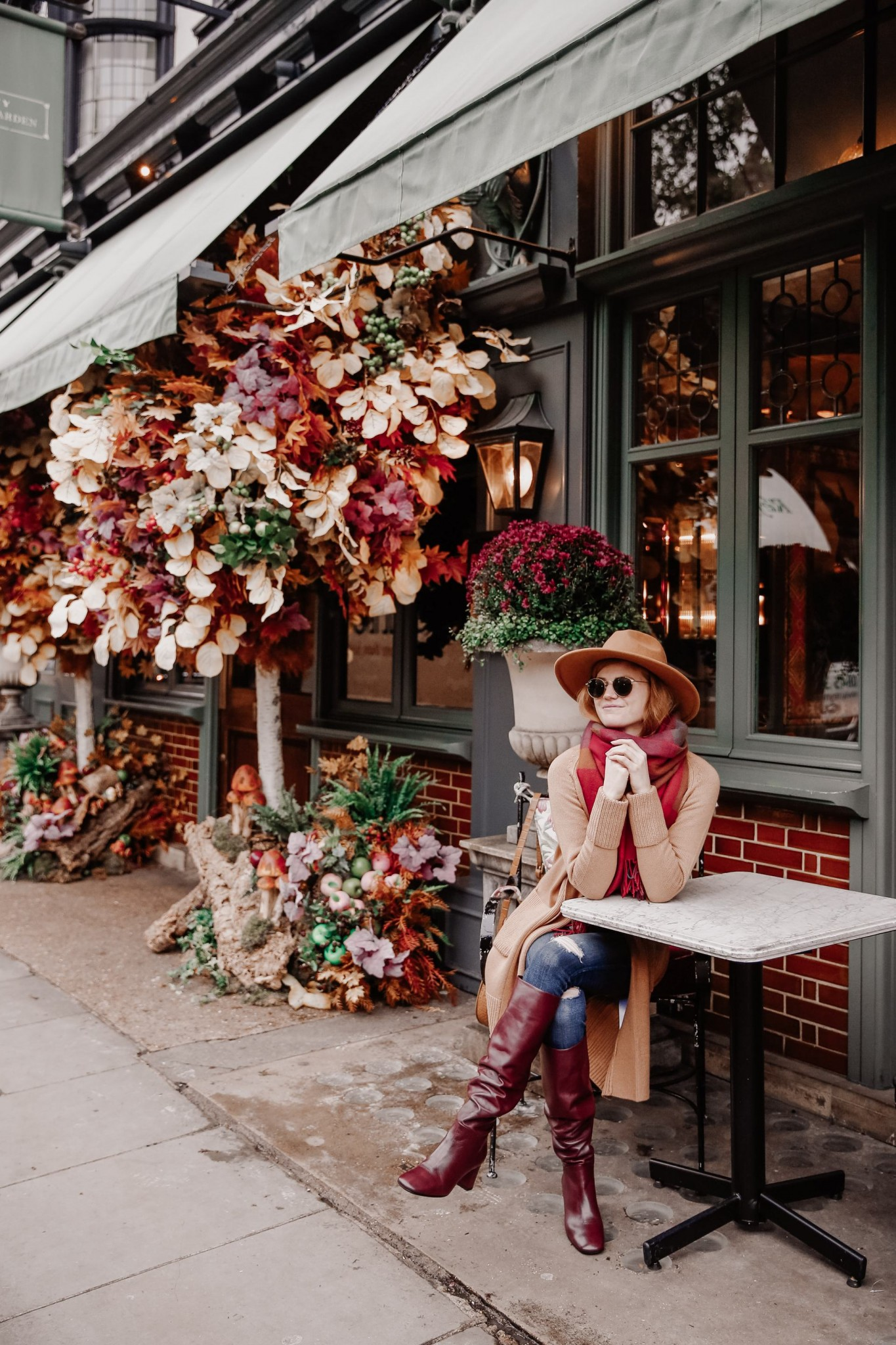 Lifestyle blogger Mollie Moore shares a casual Thanksgiving outfit idea