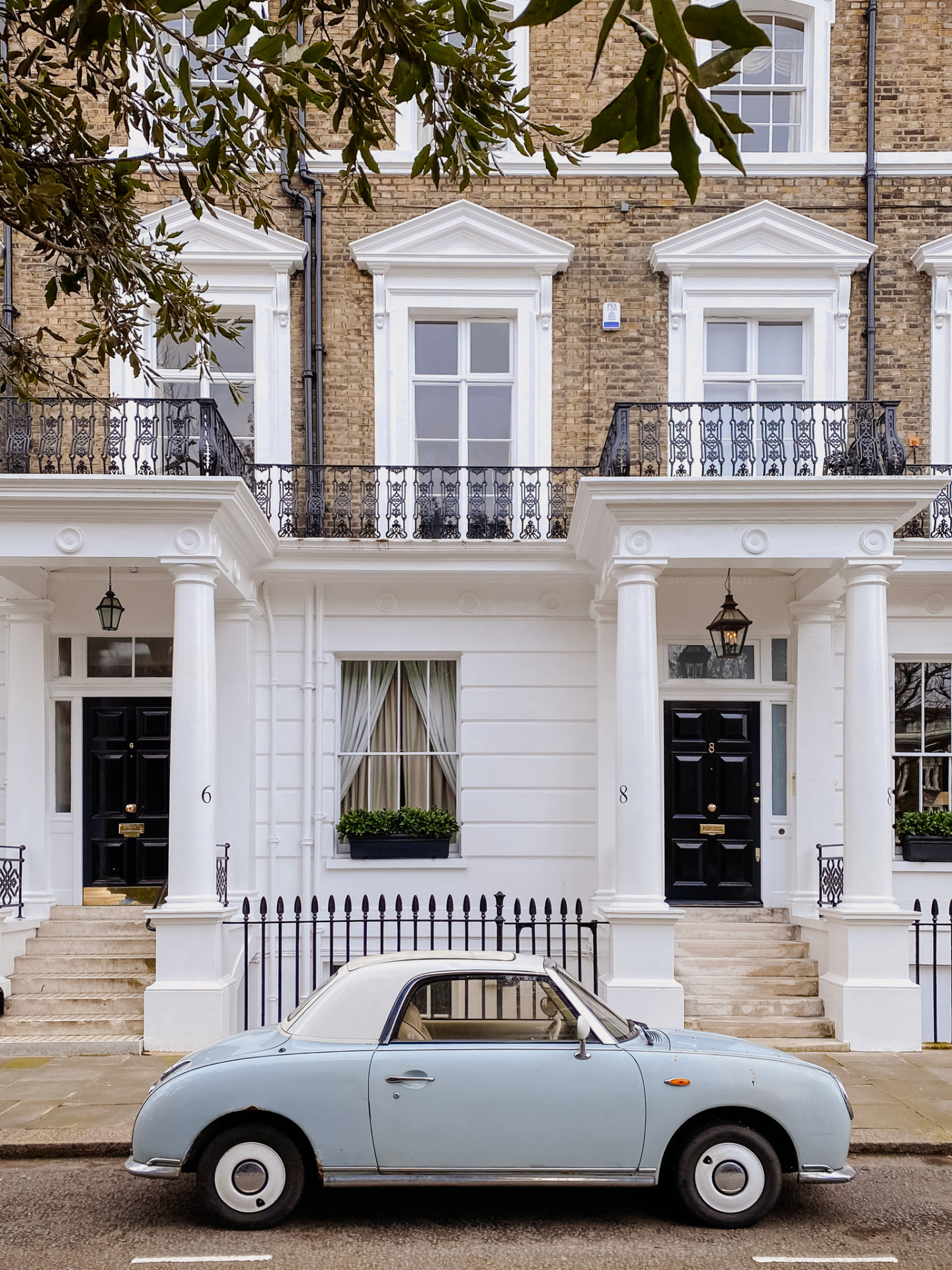 Lifestyle blogger Mollie Moore shares her guide to moving in London