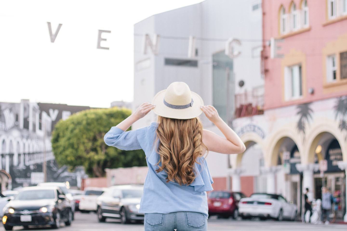 Lifestyle blogger Mollie Sheperdson shares a look in Venice Beach, California