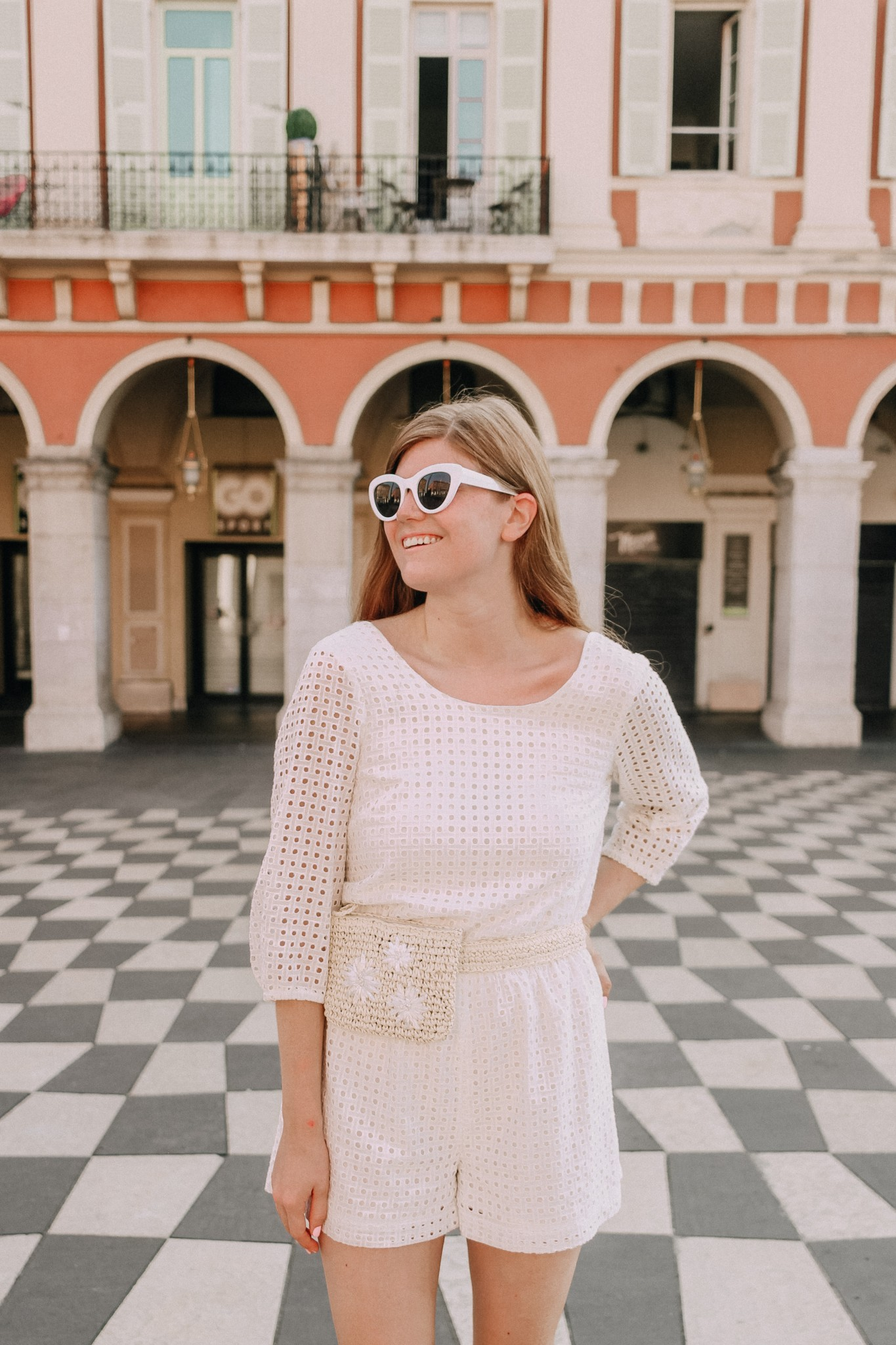 http://bit.ly/2NGOE12 | Popular London lifestyle blogger Mollie Moore shares photos from Place Massena Nice