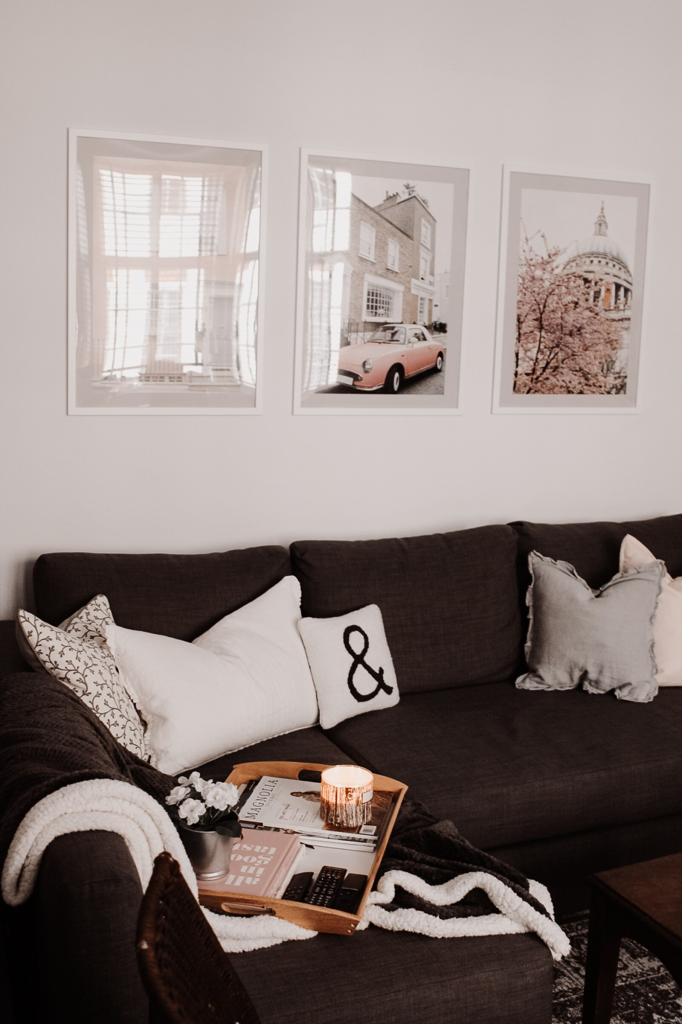 Modern London Flat featured by top London blogger Mollie Moore